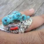 แหวนเงินแท้เทอร์ควอยซ์ดิบรูปทรงธรรมชาติ ประดับกัลปังหาแดง สไตร์อเมริกันอินเดียน