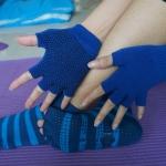 (พรีออเดอร์) ถุงมือ ถุงเท้าโยคะ กันลื่น YKSM50-14