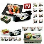 KT108.เครื่องทำซูชิ Perfect sushi roll เครื่องทำซูชิ สามารถทำเองได้ง่ายๆ ไม่ว่าจะเป็น เด็ก ผู้ใหญ่ ก็สามารถทำซูชิข้าวห่อสาหร่ายไว้ทานเองได้อย่างง่าย ๆ วิธีการ เพียงแค่ใส่ส่วนผสมที่ต้องการลงไปในเครื่องแล้วหมุนที่มือจับ ก็จะได้ซูชิข้าวห่อสาหร่ายสุดแสนน่ารัก