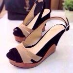 รองเท้าส้นเตารีดดีไซน์โดดเด่นส้นไม้ตัดขอบผ้ากำมะหยี่เปิดส้นสายรัดข้อเท้าด้านหน้าตัดด้วยสี