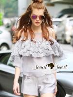 เสื้อผ้าเกาหลี พร้อมส่ง Organdy Gray Lace Fringe Open Shoulder Fashionista Set