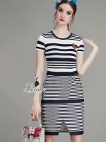 ชุดเดรสเกาหลี พร้อมส่งstylish Color stripe short sleeve irregular hem knit dress