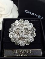 พร้อมส่ง เข็มกลัด Chanel งานเพชรชวารอฟสกี้งานฝัง