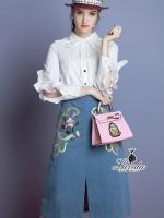 เสื้อผ้าเกาหลี พร้อมส่งpalace flounced white shirt floral embroidery denim skirt set