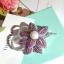 พร้อมส่งเข็มกลัดไพลิน&ทัมทิม ทรงดอกไม้ประดับมุก thumbnail 3