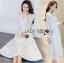 ชุดเดรสเกาหลี พร้อมส่งเดรสผ้าลูกไม้สีขาวตกแต่งกระดุมมุกสไตล์เจ้าหญิง thumbnail 6