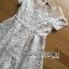ชุดเดรสเกาหลี พร้อมส่งเดรสผ้าลูกไม้ตกแต่งผ้าออร์แกนซ่าสีขาวครีมสไตล์เฟมินีน thumbnail 9