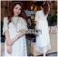 ชุดเดรสเกาหลี พร้อมส่งเดรสยาวผ้าลูกไม้ปักดอกกุหลาบสีขาวสไตล์เจ้าหญิงโบฮีเมียน thumbnail 4