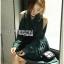 เสื้อผ้าเกาหลี พร้อมส่งเชิ้ตเดรสคัทเอาท์ไหล่ตกแต่งกระดุม thumbnail 2