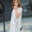 ชุดเดรสเกาหลี พร้อมส่ง มินิเดรสคอกลมสีขาว ผ้าตาข่ายปักลายการ์ตูนแมวขอบดำ thumbnail 2