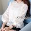 เสื้อผ้าเกาหลี พร้อมส่งเสื้อผ้าลูกไม้สีขาวสไตล์คลาสสิกสุดหวาน thumbnail 1