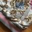 เสื้อผ้าเกาหลี พร้อมส่งบอมเบอร์แจ๊กเก็ตผ้าซาตินสีชมพูปักลายดอกไม้สไตล์สตรีท thumbnail 6