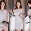 ชุดเดรสเกาหลี พร้อมส่งเดรสแขนกุดผ้าลูกไม้สีขาวตกแต่งระบายด้านข้าง thumbnail 3
