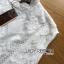 เสื้อผ้าเกาหลี พร้อมส่ง เสื้อลูกไม้สีขาวทรงคอสูง thumbnail 14