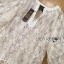 เสื้อผ้าเกาหลี พร้อมส่งเสื้อผ้าลูกไม้สีขาวงาช้างสไตล์ลำลอง ต thumbnail 7