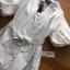 เสื้อผ้าเกาหลี พร้อมส่งเชิ้ตเดรสผ้าคอตตอนสีขาวตกแต่งลูกไม้สไตล์มินิมัลชิค thumbnail 11