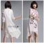 ชุดเดรสเกาหลีพร้อมส่ง เดรสสีขาวปักลายดอกกุหลาบอังกฤษสีชมพู thumbnail 6