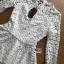 เสื้อผ้าเกาหลี พร้อมส่งเสื้อผ้าลูกไม้สีขาวทรงคอสูงแขนยาวตกแต่งระบาย thumbnail 14