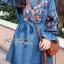 ชุดเดรสเกาหลี พร้อมส่งเดรสผ้าเดนิมบางปักลายดอกไม้สไตล์สาวคันทรี thumbnail 6