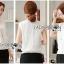 เสื้อผ้าเกาหลี พร้อมส่ง เสื้อลูกไม้สีขาวทรงคอสูง thumbnail 7