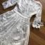 ชุดเดรสแฟชั่น พร้อมส่งเดรสผ้าเครปสีขาวปักลายดอกไม้และตกแต่งลูกปัด thumbnail 15