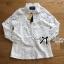 เสื้อผ้าเกาหลี พร้อมส่งเชิ้ตขาวตกแต่งผ้าตาข่ายและผ้าปักลายดอกไม้ thumbnail 7