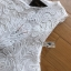 ชุดเดรสแฟชั่น พร้อมส่งเดรสแขนกุดผ้าลูกไม้สีขาวตกแต่งระบายด้านข้าง thumbnail 10
