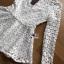 เสื้อผ้าเกาหลี พร้อมส่งเสื้อผ้าลูกไม้สีขาวทรงคอสูงแขนยาวตกแต่งระบาย thumbnail 16