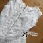 เสื้อผ้าเกาหลี พร้อมส่งเสื้อแขนกุดคอสูงผ้าลูกไม้ตกแต่งชาย thumbnail 13