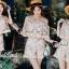 เสื้อผ้าแฟชั่นเกาหลีพร้อมส่ง Lovely Gold Blossom Lace Pleaty JumpSet thumbnail 8
