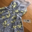 ชุดเดรสเกาหลี พร้อมส่งค็อกเทลเดรสผ้าลูกไม้สีเทาทอลายดอกไม้สีเหลือง thumbnail 13