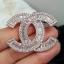 พร้อมส่ง Chanel Brooch ตัวนี้ค่ะ รุ่นนี้ใช้เพชร CZ แท้เกรดดีที่สุด thumbnail 7