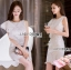 ชุดเดรสเกาหลี พร้อมส่งเดรสแขนกุดผ้าลูกไม้สีขาวตกแต่งระบายด้านข้าง thumbnail 5