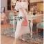 ชุดเดรสเกาหลี พร้อมส่งเดรสยาวเปิดไหล่ผ้าคอตตอนผสมซิลค์สีขาวประดับลูกไม้ thumbnail 2