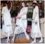 ชุดเดรสเกาหลี พร้อมส่งเดรสยาวผ้าลูกไม้ปักดอกกุหลาบสีขาวสไตล์เจ้าหญิงโบฮีเมียน thumbnail 2