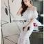 ชุดเดรสเกาหลีพร้อมส่ง เดรสชีฟองสีขาวทรงระบายเลเยอร์กระโปรงผ้าลูกไม้ thumbnail 2