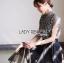 เสื้อผ้าเกาหลีพร้อมส่ง เสื้อทรงคอสูงผ้าลูกไม้ลายดอกไม้สีขาว-ดำ thumbnail 7
