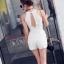 เสื้อผ้าเกาหลี พร้อมส่งWhite Sensual Short Jumpsuite thumbnail 6