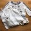 เสื้อผ้าแฟชั่น พร้อมส่งเสื้อผ้าชีฟองสีขาวปักลายตกแต่งทรงระบาย thumbnail 13