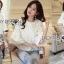 เสื้อผ้าเกาหลี พร้อมส่งเสื้อผ้าคอตตอนทับด้วยผ้าตาข่ายปักดอกไม้สีขาว thumbnail 5