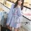 เสื้อผ้าเกาหลี พร้อมส่งเชิ้ตลายทางสีฟ้าปักลายดอกไม้ thumbnail 5