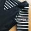 เสื้อผ้าเกาหลี พร้อมส่งเซ็ตเอี๊ยมเดรสสั้นสีดำทับเสื้อไหมพรมเนื้อบางยืดได้ลายขวาง thumbnail 7