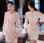 ชุดเดรสเกาหลี พร้อมส่งเดรสผ้าลูกไม้สีขาวซับในสีนู้ดตกแต่งแขนชิฟฟอน thumbnail 3