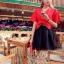 เสื้อผ้าเกาหลี พร้อมส่ง เซ็ตเสื้อ+กระโปรง ตัวเสื้อสีแดงสด กระโปรงผ้าแก้วสีดำ thumbnail 4