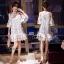 ชุดเดรสเกาหลีพร้อมส่ง เดรสสีขาวปักผีเสื้อ 3D เป็นแบบเว้าช่วงไหล่ thumbnail 4