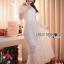 ชุดเดรสเกาหลี พร้อมส่งเดรสยาวผ้าลูกไม้สีขาวตกแต่งระบายสไตล์โรแมนติก thumbnail 1
