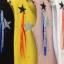 เสื้อผ้าเกาหลีพร้อมส่ง เสื้อยืดคอวีแขนกุด แต่งเพชรสีๆรูปดาว +เข็มกลัด thumbnail 2