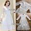 ชุดเดรสเกาหลี พร้อมส่งเดรสผ้าลูกไม้สีขาวตกแต่งกระดุมมุกสไตล์เจ้าหญิง thumbnail 7