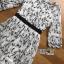 ชุดเดรสเกาหลี พร้อมส่งเดรสผ้าชีฟองสีขาวปักลายดอกไม้สีดำ thumbnail 17