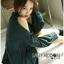เสื้อผ้าเกาหลี พร้อมส่งเชิ้ตเดรสคัทเอาท์ไหล่ตกแต่งกระดุม thumbnail 3
